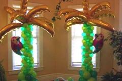 Palmtree Green Balloon Decoration